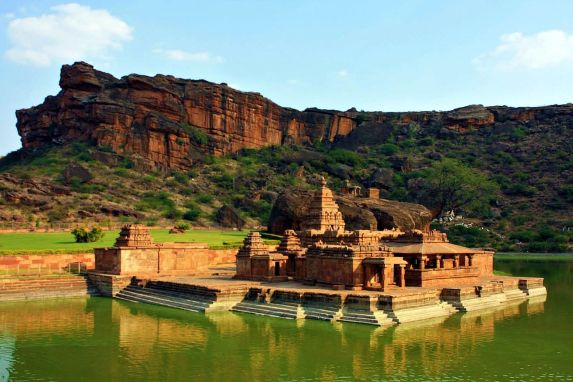 Bhutanatha_temple_in_Badami,_Karnataka,_India